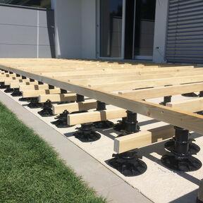 Holzunterkonstruktion Terrasse