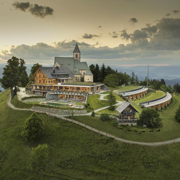 Gipfelhaus Magdalensberg Außenansicht